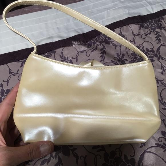 Victoria's Secret Handbags - Victoria's Secret Pearl Colored Wristlet - NWOT